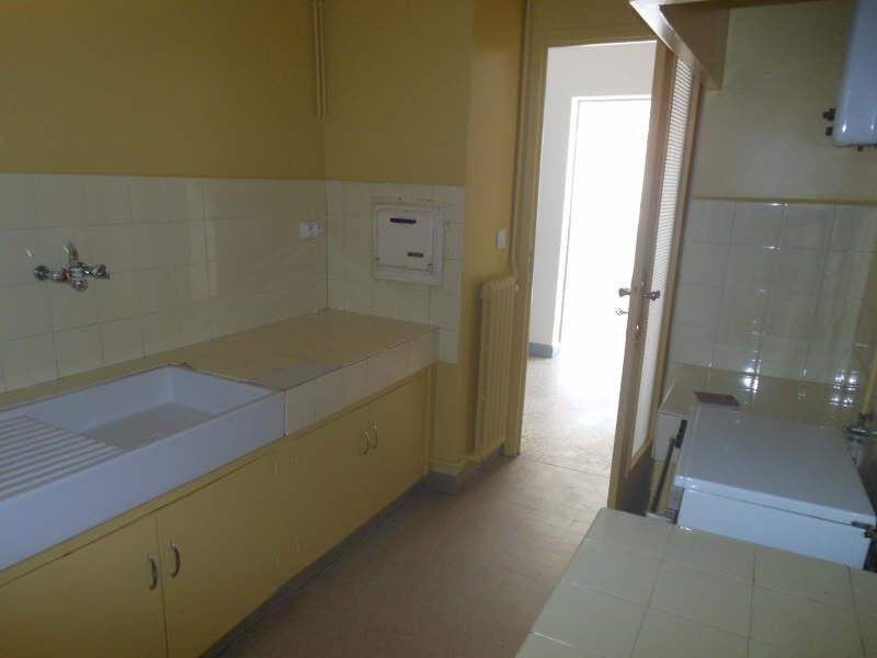 Rental apartment Nimes 471€ CC - Picture 6