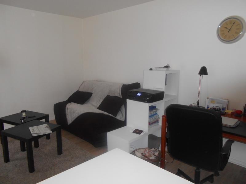 Location appartement Paris 5ème 856€ CC - Photo 1