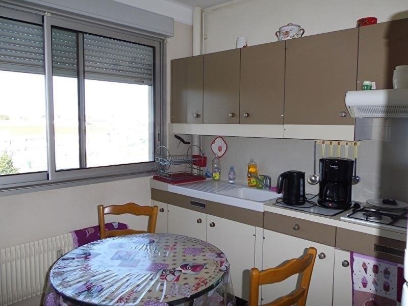 Sale apartment Peronnas 70000€ - Picture 2