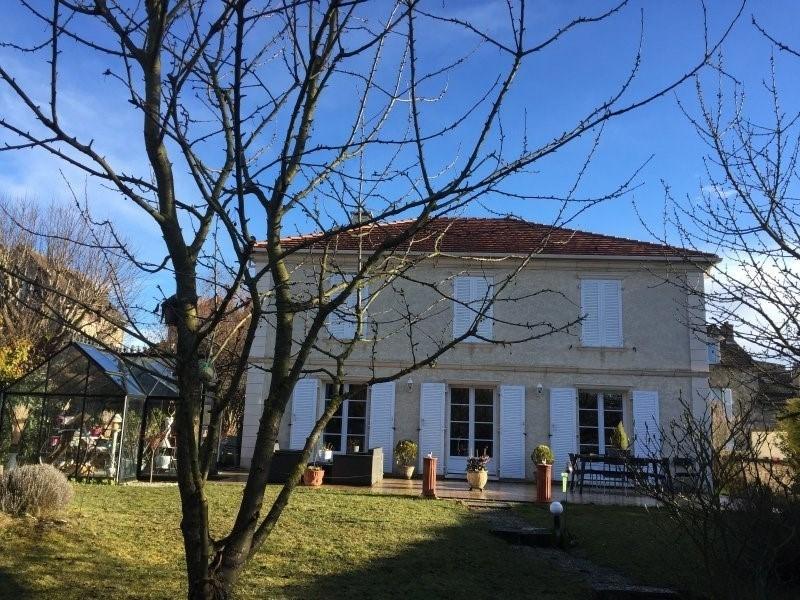 Sale house / villa Triel sur seine 572000€ - Picture 1