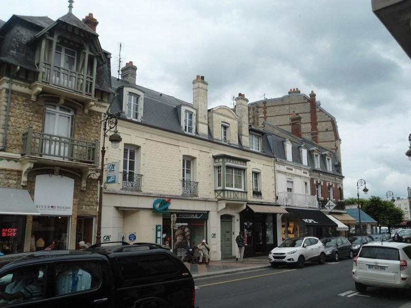 Sale apartment Deauville 474500€ - Picture 2