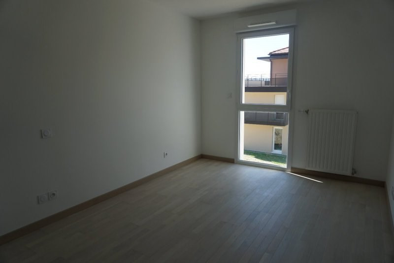 Location appartement Beaumont 1 350€ CC - Photo 3