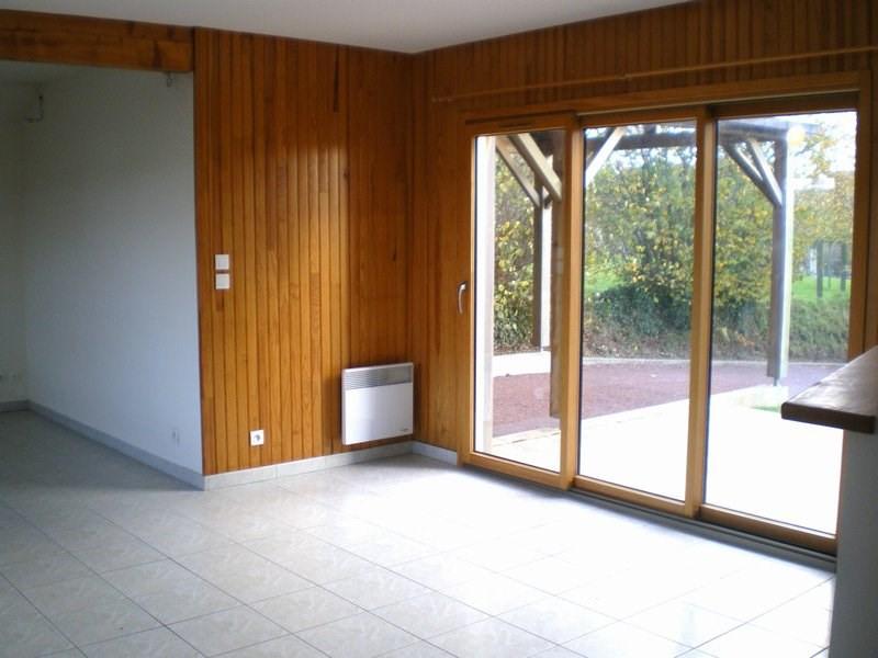 Location maison / villa Canisy 610€ CC - Photo 3