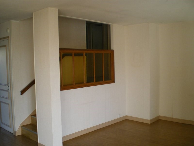 Location maison / villa St lo 677€ CC - Photo 3