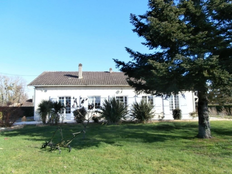 Sale house / villa Saint pierre d'eyraud 202000€ - Picture 1