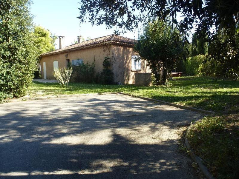 Location maison / villa Aix en provence 1889€ CC - Photo 9