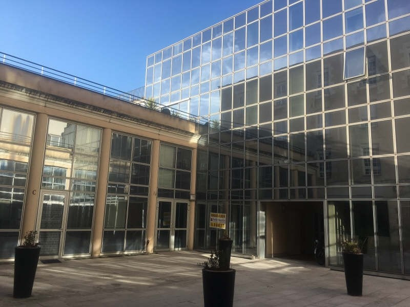 Location local commercial Poitiers 2000€ HT/HC - Photo 1
