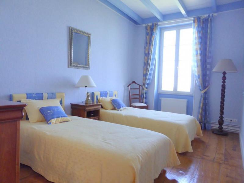 Sale house / villa Jarnac-champagne 379800€ - Picture 7