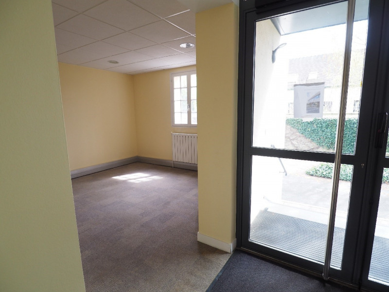 Rental office Vaux le penil 4917€ CC - Picture 5