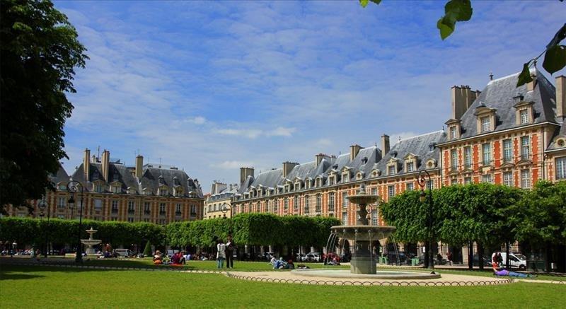 Location local commercial Paris 4ème 3950€ HT/HC - Photo 1