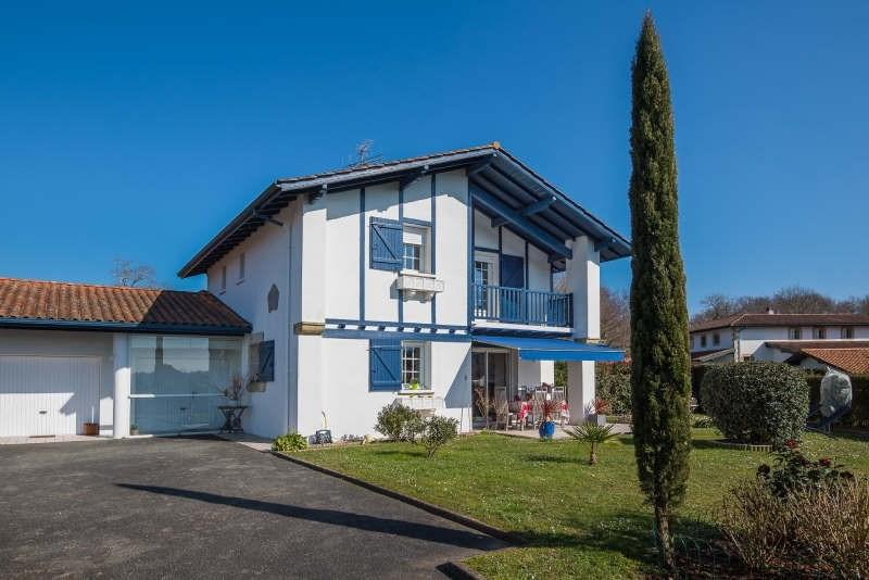 Deluxe sale house / villa Bassussarry 730000€ - Picture 2