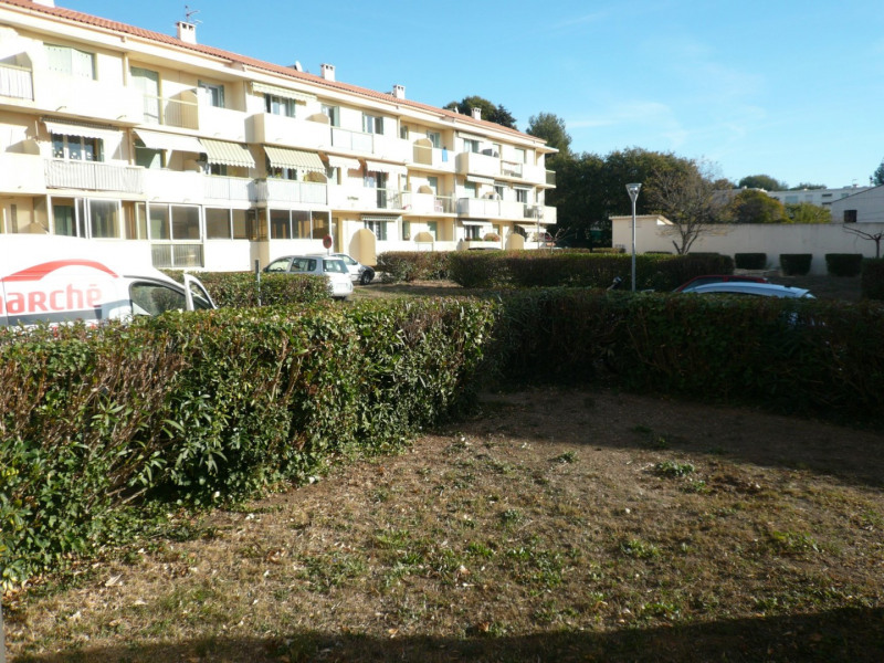 Location appartement Six fours les plages 819€ CC - Photo 1