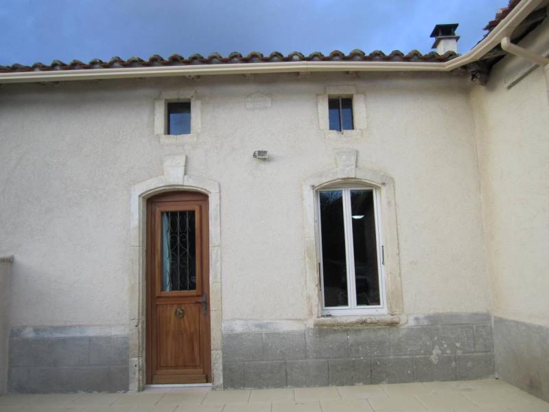 Vente maison / villa Barbezieux-saint-hilaire 113000€ - Photo 1