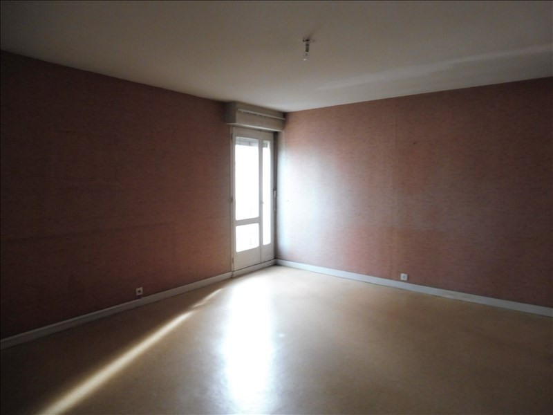 Sale apartment La roche sur yon 107000€ - Picture 2