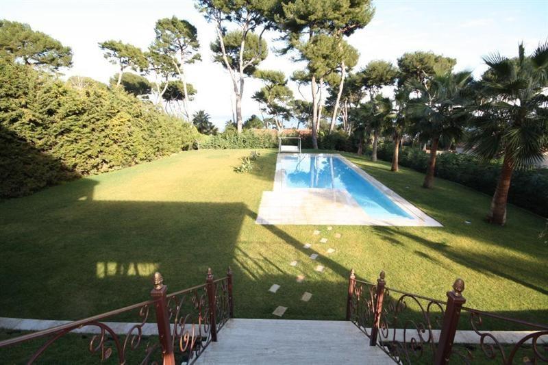 Deluxe sale house / villa Cap d'antibes 3900000€ - Picture 1