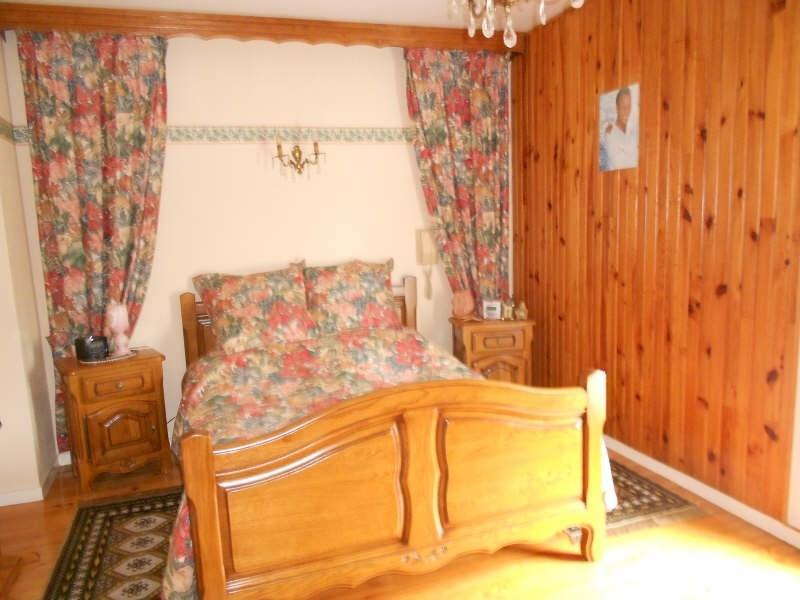 Sale house / villa Mont gaillard 190000€ - Picture 4