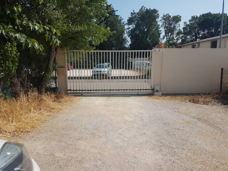 Rental empty room/storage Avignon 860€ CC - Picture 1