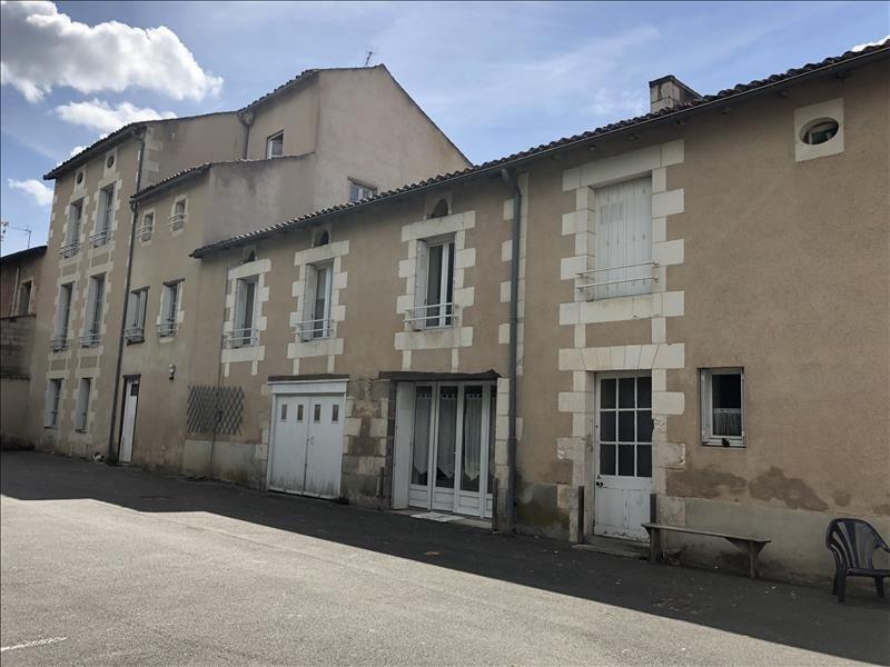 Location appartement Liguge 413€ CC - Photo 1