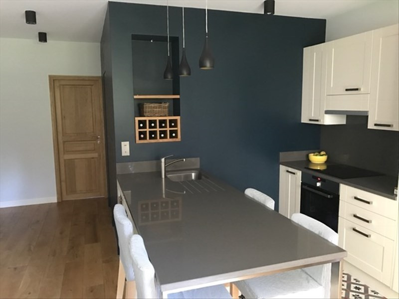 Sale apartment Vaucresson 293280€ - Picture 1
