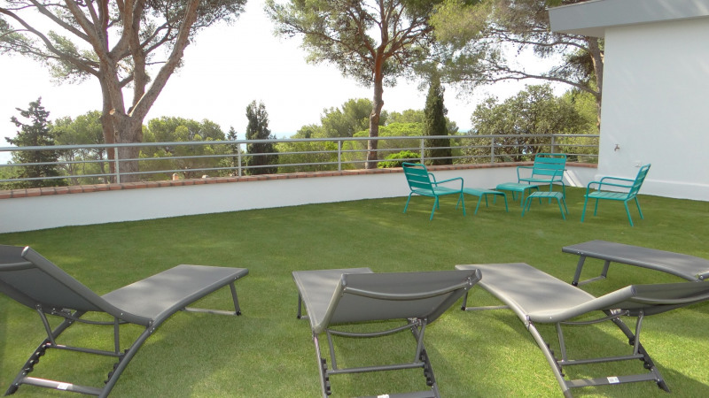 Vacation rental house / villa Cavalaire sur mer 2000€ - Picture 1
