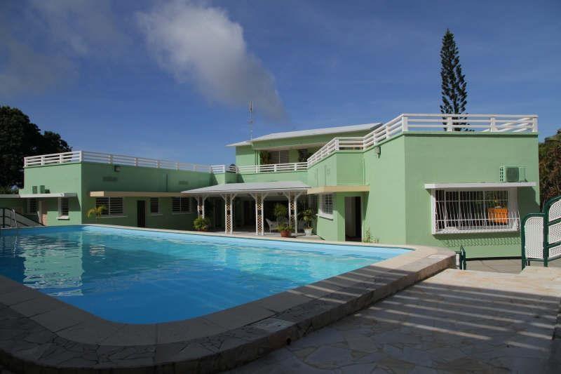 Deluxe sale house / villa St claude 698300€ - Picture 1