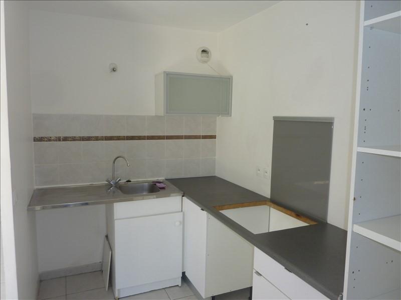 Rental apartment Marseille 8ème 980€ CC - Picture 2