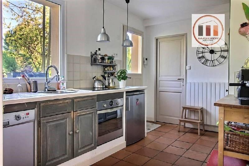 Location maison / villa Charly 2330€ CC - Photo 5