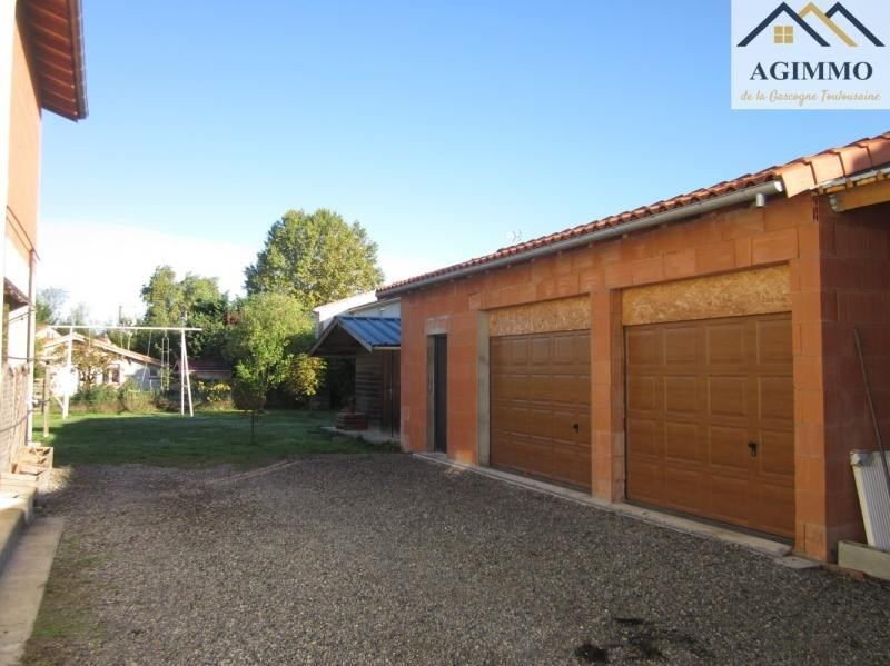Sale house / villa L isle jourdain 332 800€ - Picture 6