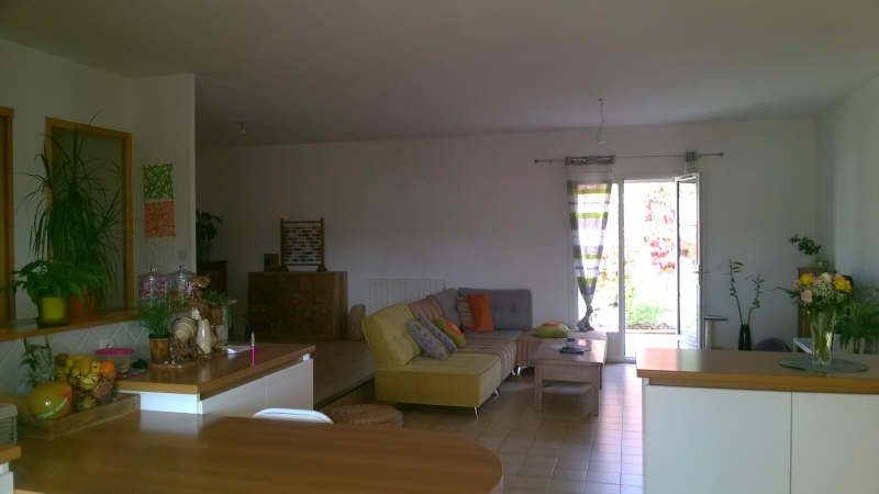 Location maison / villa Lancon provence 1350€ CC - Photo 2