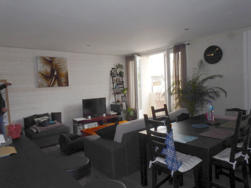 Sale house / villa Le passage 132 000€ - Picture 2
