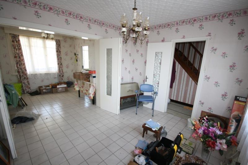 Sale house / villa Monchecourt 95500€ - Picture 2