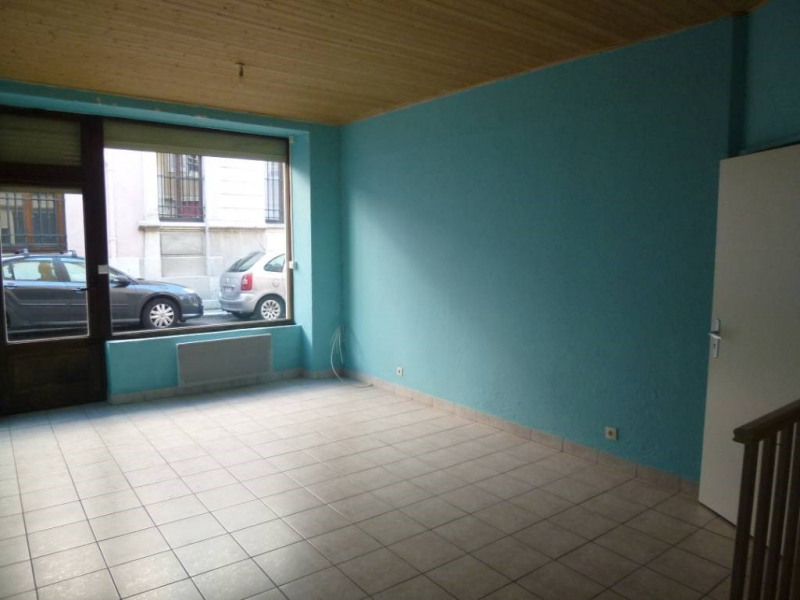 Location local commercial Saint-laurent-du-pont 235€ CC - Photo 2