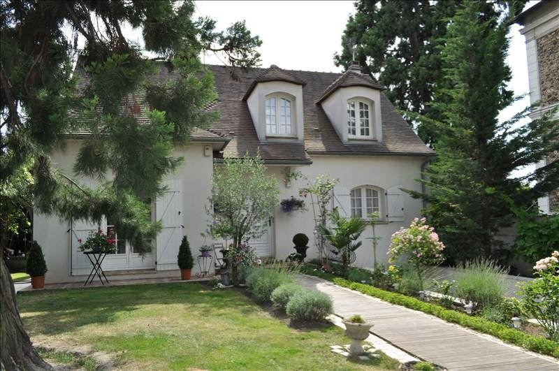 Sale house / villa Villemomble 650000€ - Picture 1