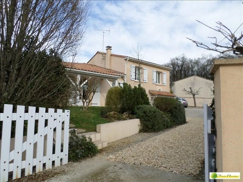 Sale house / villa Puymoyen 247 500€ - Picture 4