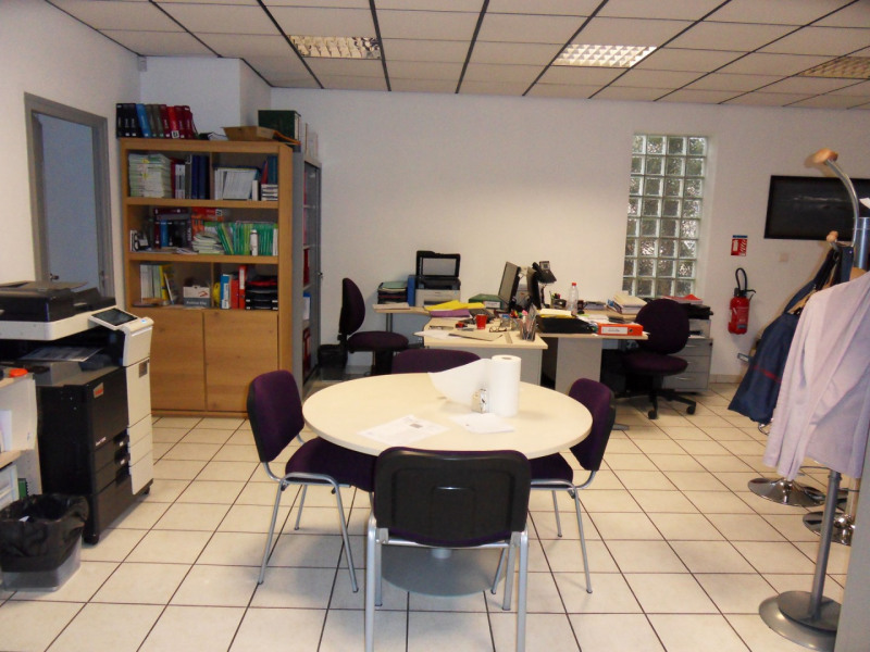 Commercial lease transfer empty room/storage Monteux  - Picture 8