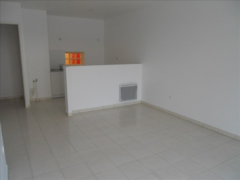 Rental apartment Noisy le grand 803€ CC - Picture 3
