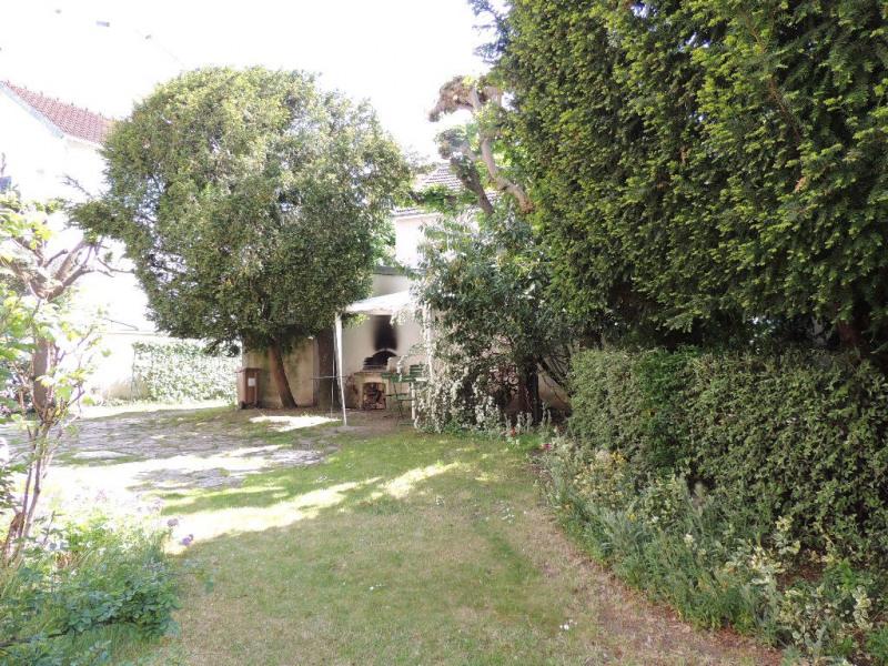 Deluxe sale house / villa Le vesinet 1095000€ - Picture 2