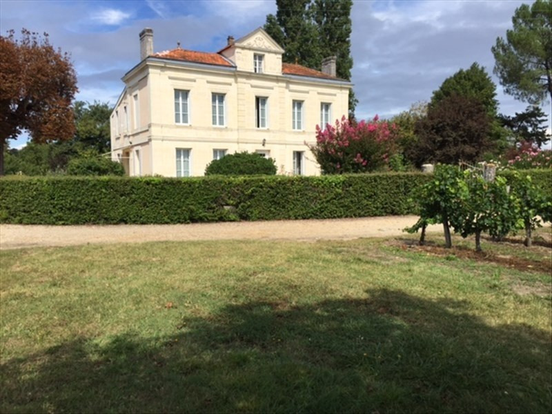 Deluxe sale house / villa St andre de cubzac 419000€ - Picture 1