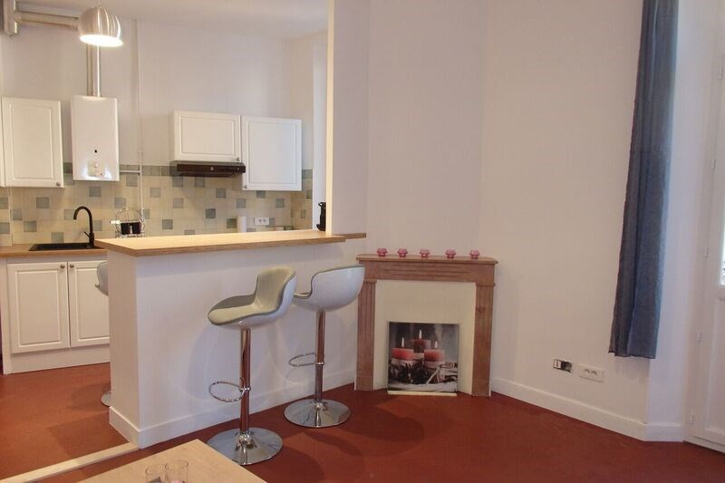 Location appartement Cannes 800€ CC - Photo 1
