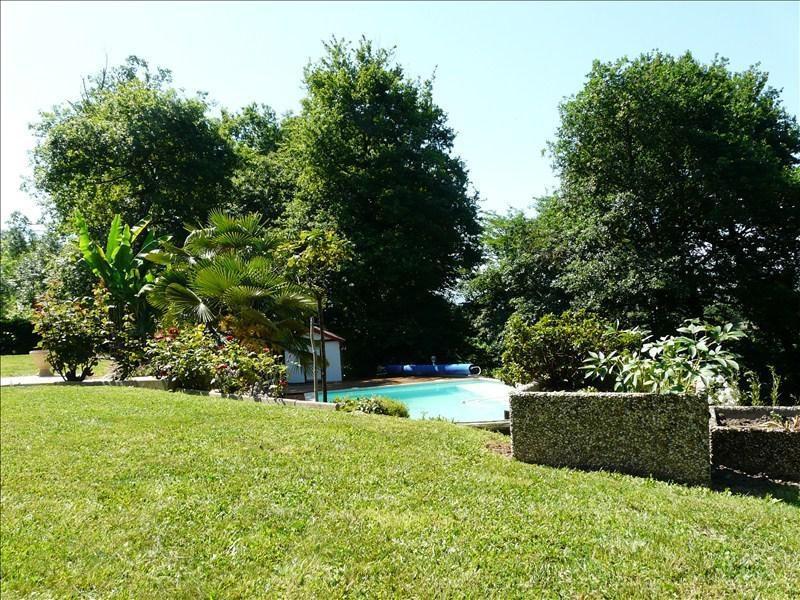 Sale house / villa Andoins 245000€ - Picture 3