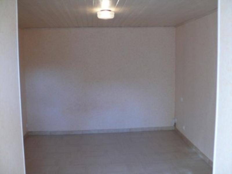 Location appartement Villeneuve-de-berg 420€ CC - Photo 4