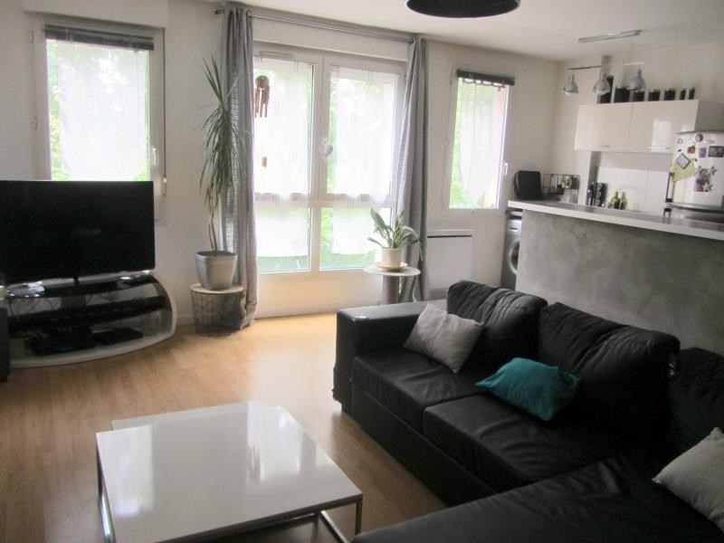 Sale apartment Osny 161 000€ - Picture 1