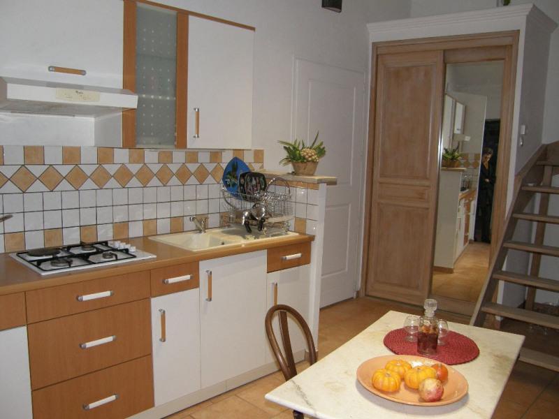 Rental apartment Lambesc 750€ CC - Picture 7