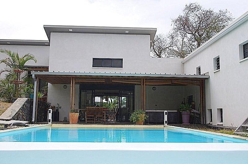 Deluxe sale house / villa St gilles les bains 808500€ - Picture 1