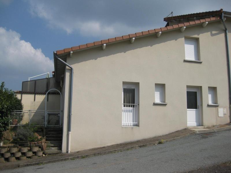 Rental house / villa St victor sur rhins 418€ CC - Picture 1