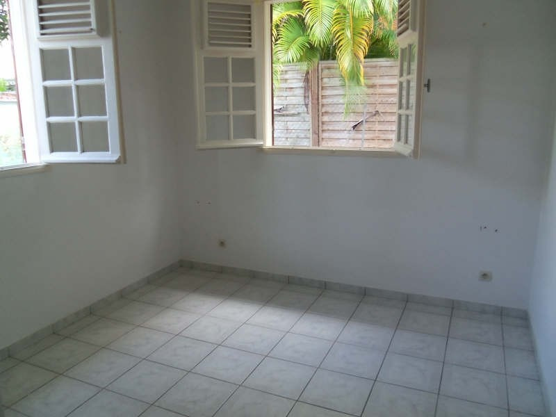 Location maison / villa St francois 750€ CC - Photo 11