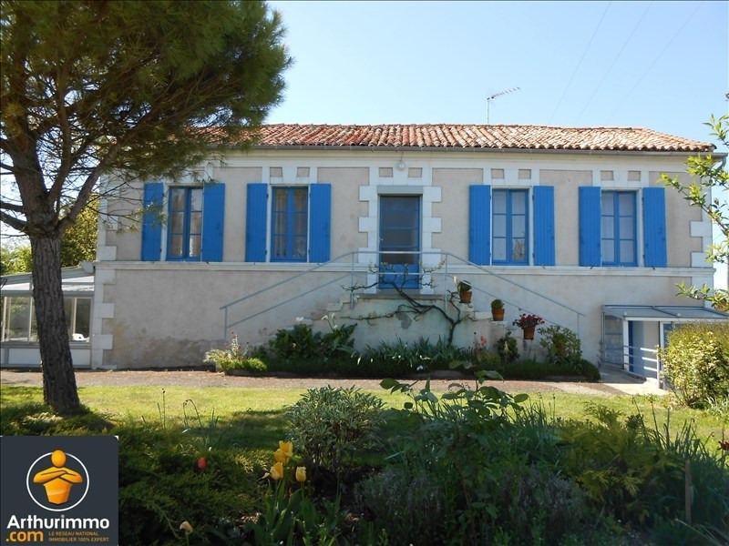 Sale house / villa Loulay 159500€ - Picture 1