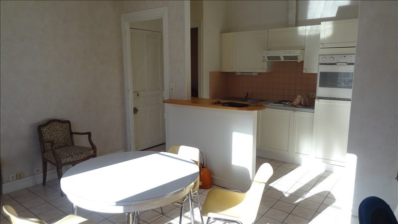 Rental apartment St quentin 490€ CC - Picture 1