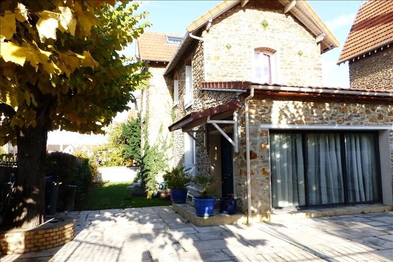 Deluxe sale house / villa Villemomble 720000€ - Picture 1