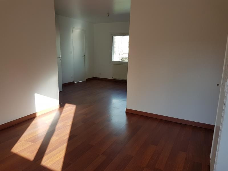 Location appartement St berthevin 500€ CC - Photo 3